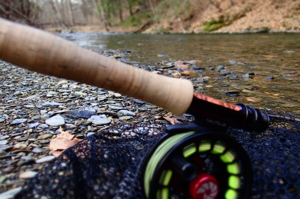 guided fly fishing for big trout in pennsylvania's pocono mountains with filingo fly fishing (1034)