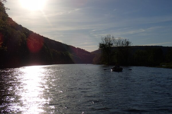 fly fishing delaware river with jesse filingo of filingo fly fishing on a guided float trip down the delaware river (516)