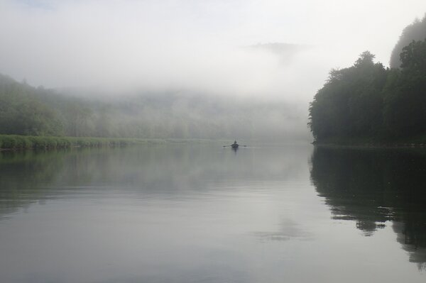guided fly fishing float tours for big trout upper delaware river west branch delaware river new york (1128)