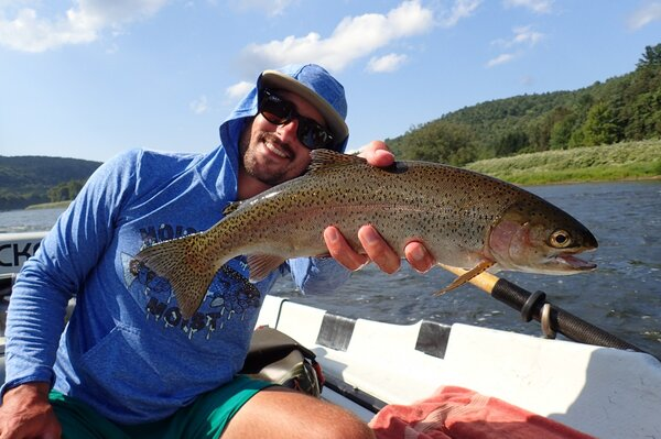 delaware river guided fly fishing float trips for big wild trout with filingo fly fishing (943)