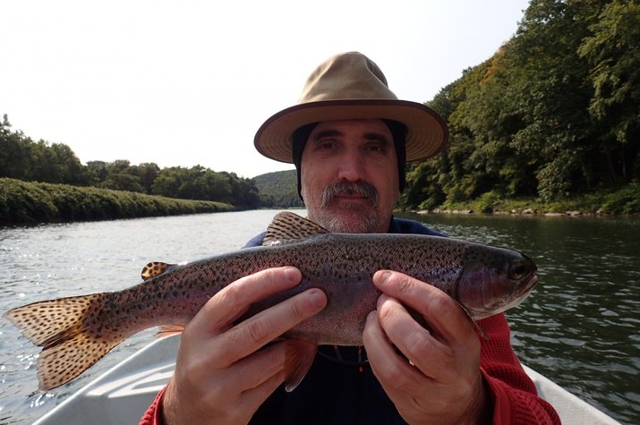 guided fly fishing float trips upper delaware river new york and pennsylvania fly fishing jesse filingo