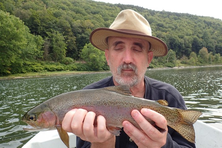 guided fly fishing for trout on delaware river new york with filingo fly fishing