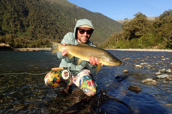 guided fly fishing tours on the upper delaware river for wild trout (722)