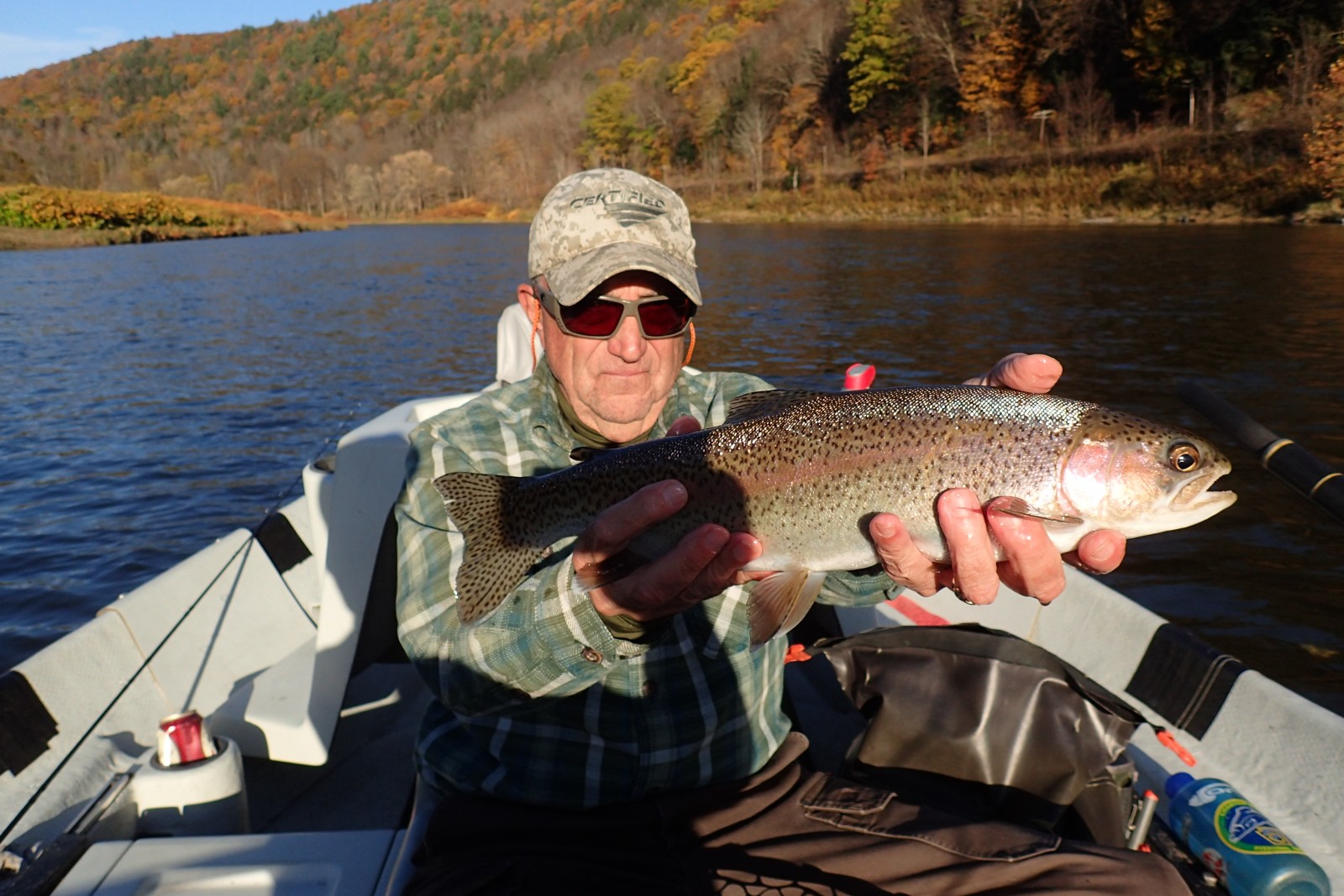guided fly fishing float trips on the upper delaware river for wild rainbow trout with filingo fly fishing